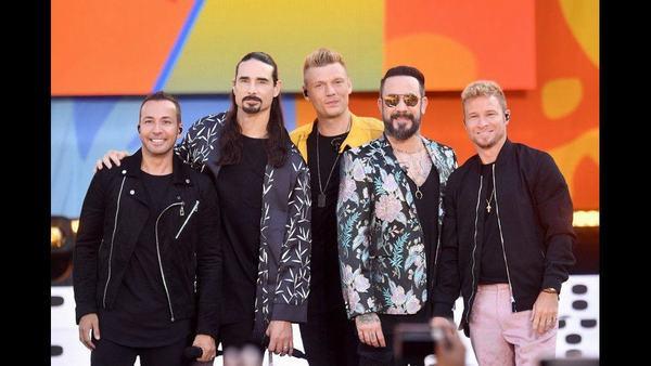 Các chàng trai thể hiện sự trưởng thành trong âm nhạc qua album thứ tư