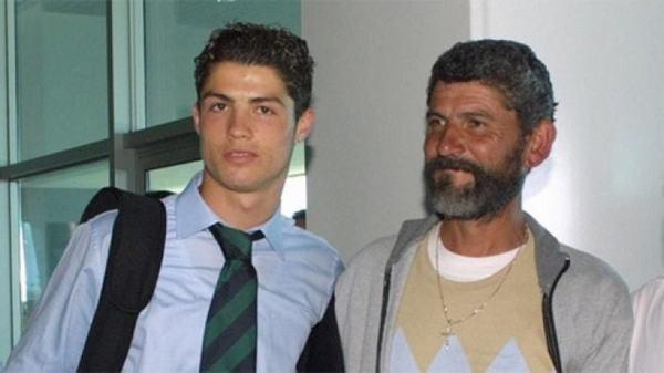 Cristiano Ronaldo và cha José Dinis Aveiro