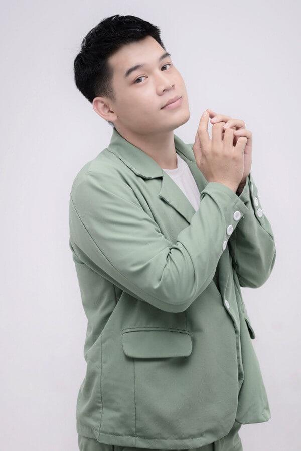 Long Chun là ai? Tiểu sử, profile wiki của HOT tiktoker 3