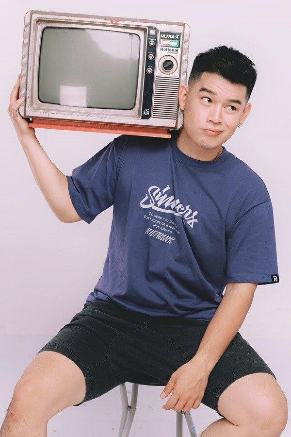 Long Chun là ai? Tiểu sử, profile wiki của HOT tiktoker 6