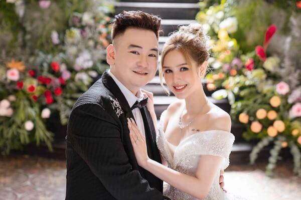 Đám cưới Xemesis và Xoài Non được tổ chức vào tháng 11 năm 2020