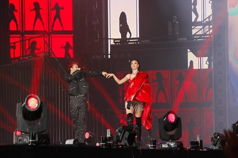 Cô bất ngờ xuất hiện tại chương trình Concert Rap Việt