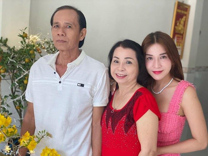 Gia đình Khả Như là gia đình gia giáo
