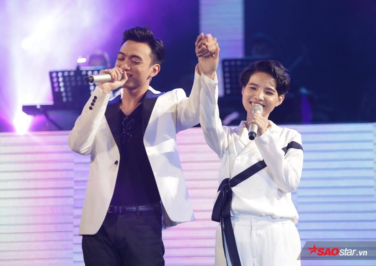 VCT và Soobin Hoàng Sơn bên nhau tình tứ