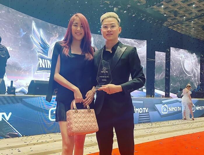 Rambo nhận giải thưởng từ NimoTV