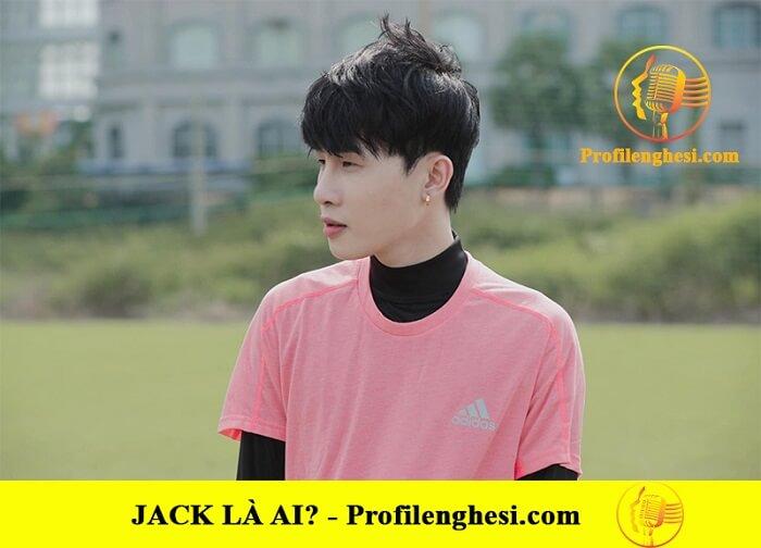 Jack tập cho chương trình bóng đá từ thiện
