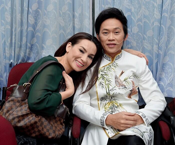 Ca sĩ Phi Nhung và nghệ sĩ Hoài Linh