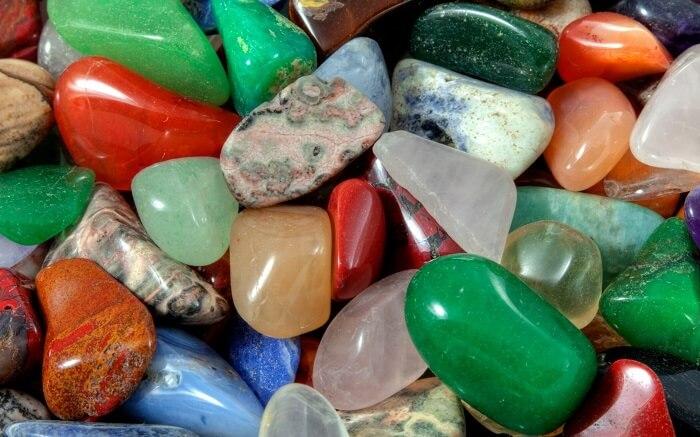 Dùng đá thiên nhiên nâng cao tần số rung động